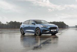 fastest cars under 30k - ford focus st