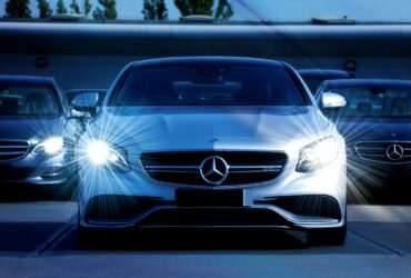 mercedes benz with bright headlights